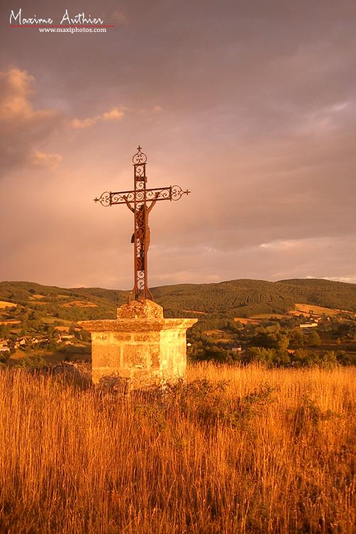 Croix du Christ près de Montrozier